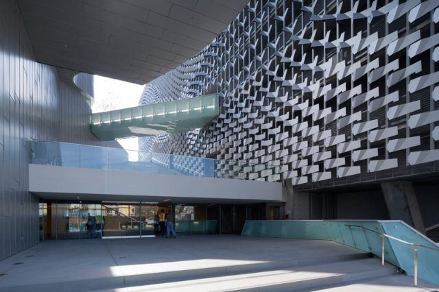 Emerson College - Morphosis Architects